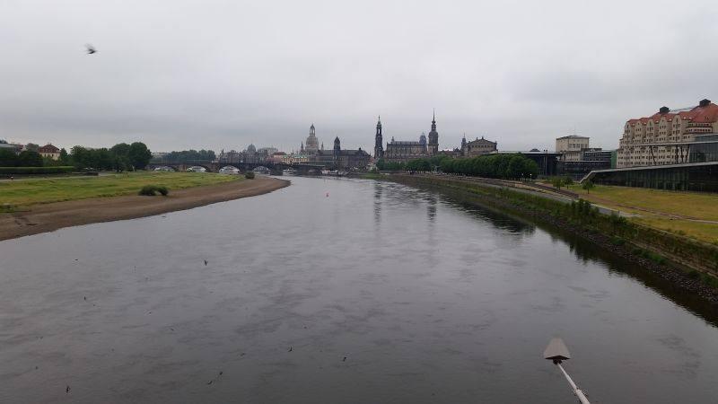 Das Flussbett links ist normal nicht sichtbar.