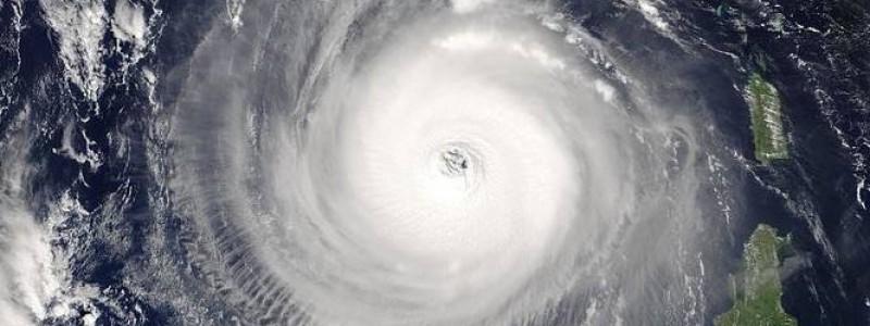 Hurricane_Isabel_14_sept_2003-cut
