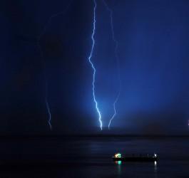 lightning-687558_1280