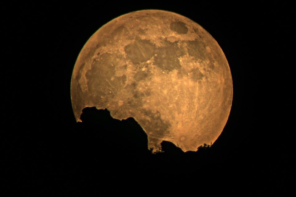 full-moon-948812_960_720