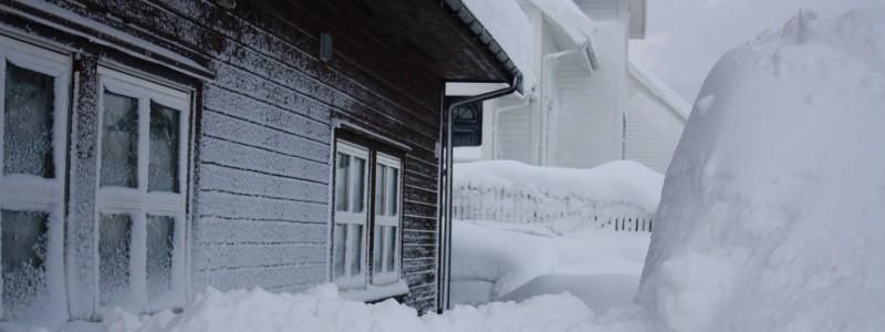 snow-1051713_1920