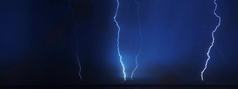 lightning-687558_640