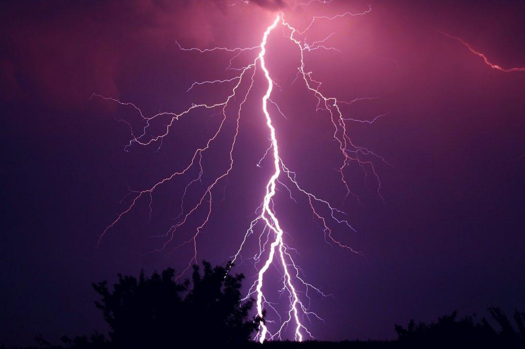 thunder-953118_1280