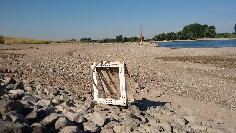 160915rhein_niedrigwasser