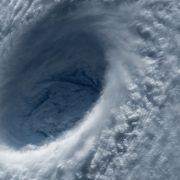 typhoon-1650677_960_720