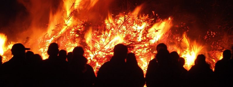 easter-fire-22539_1920