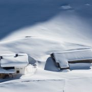 alpine-hut-2217644_1920