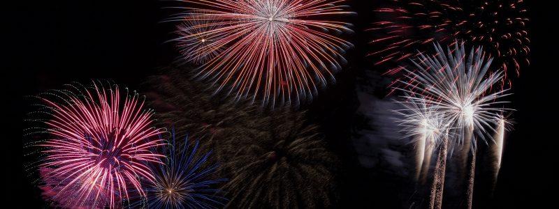 fireworks-879461_1920