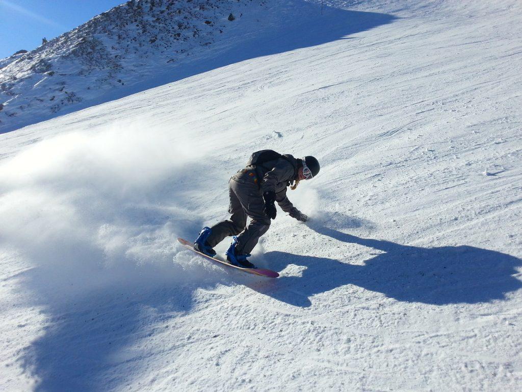 snowboard-227541_1920