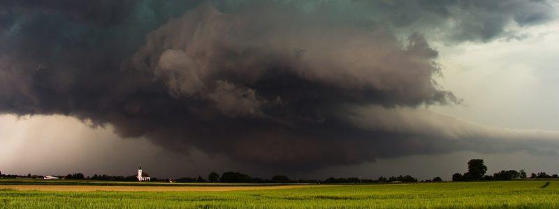 storm-3174125_1280
